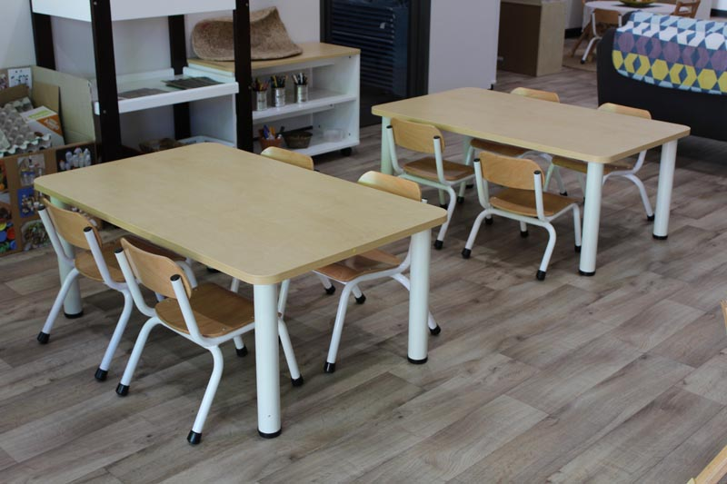 versatek tables classic natural chairs