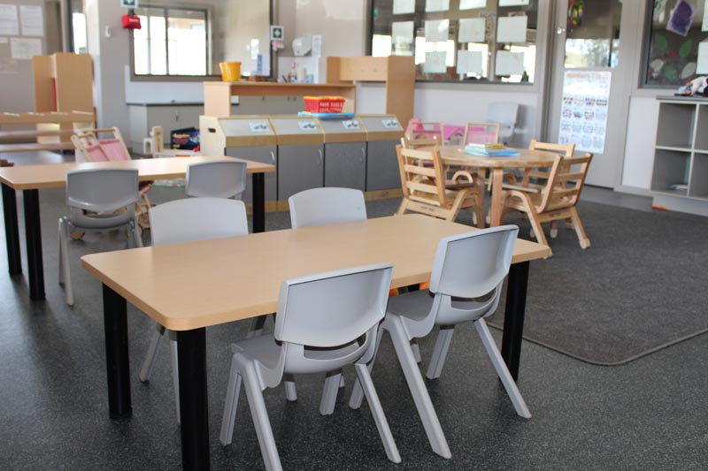 versatek tables and robust chairs