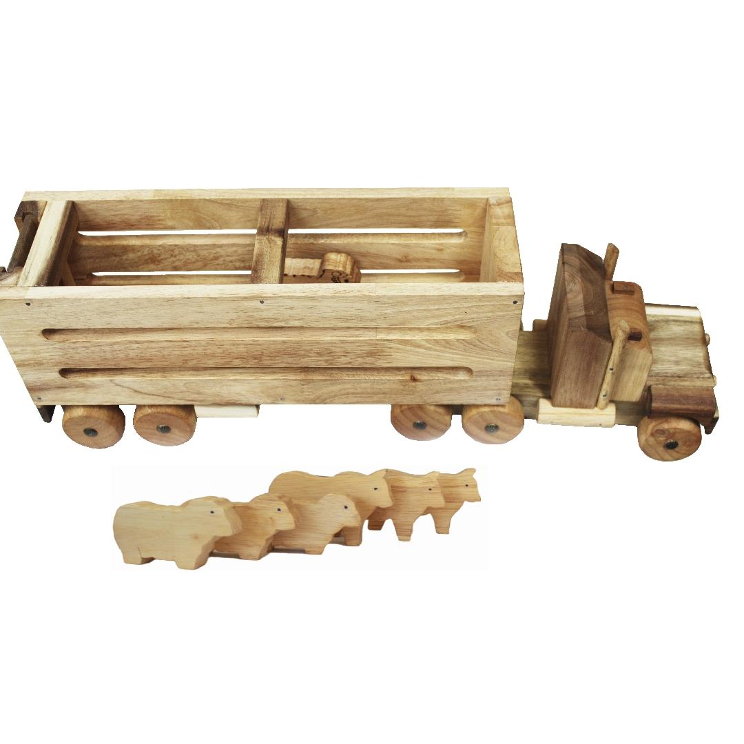 Natural Wooden Cattle Truck