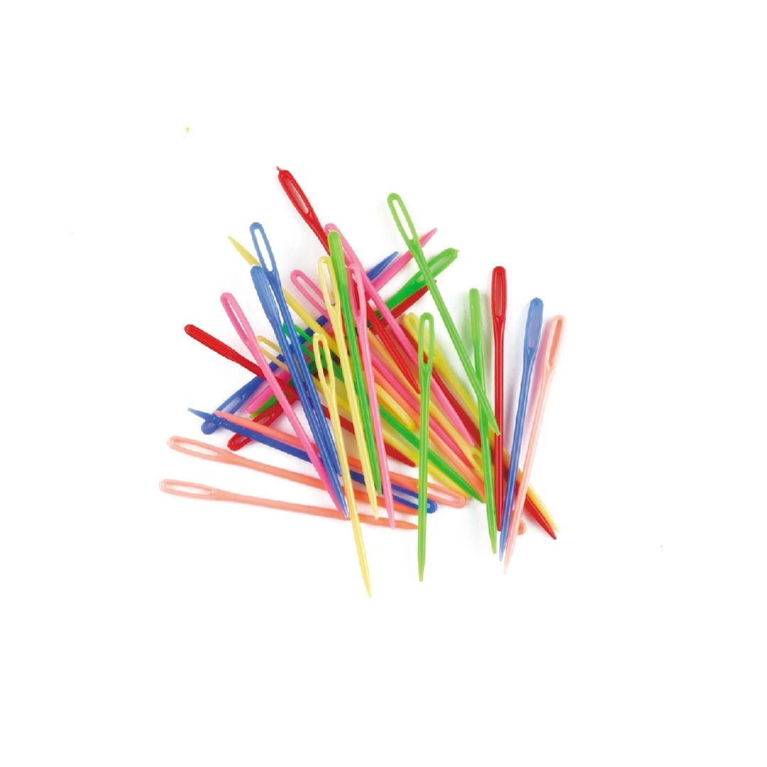 Plastic Needles (Pack of 32)