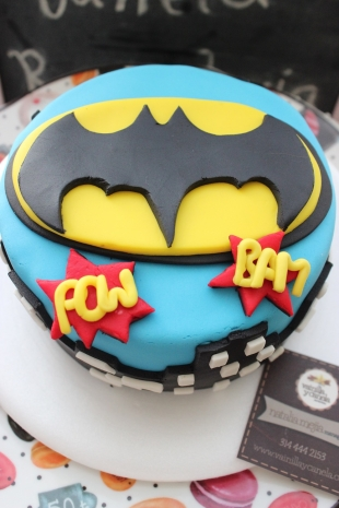 Torta Batman Logo