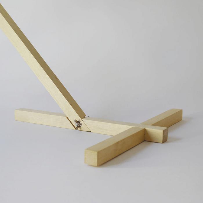 detalle-pie-lampara-mesa-papel-esmeralda-mizuko-lamparas-ecologicas-ekohunters-crea-re
