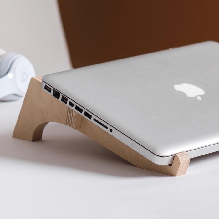 debeam-laptop-wooden-sustainable-eco-friendlystructure-ekohunters