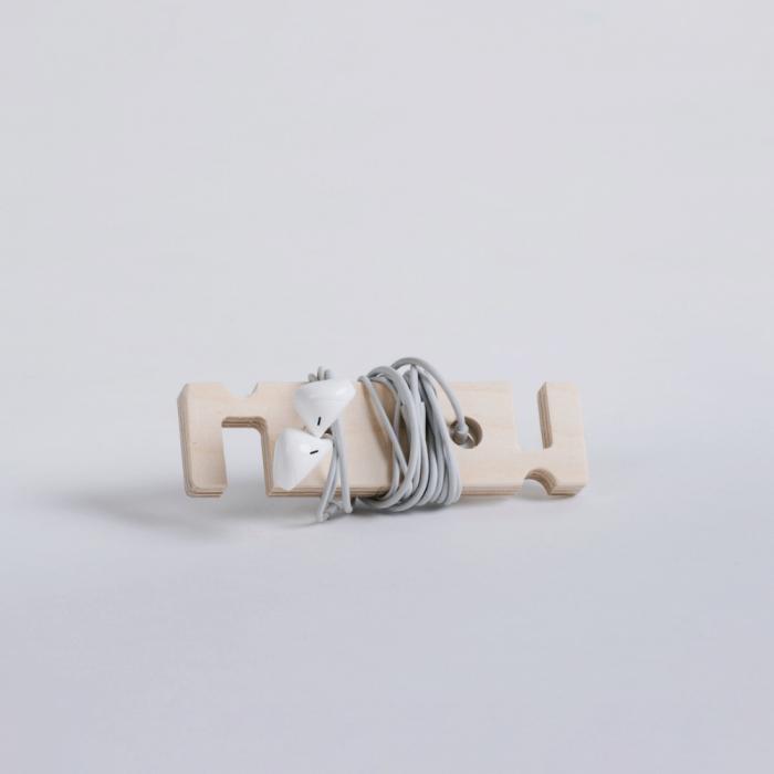 dehook-esustainable-wooden-phone-support-ekohunters-debosc