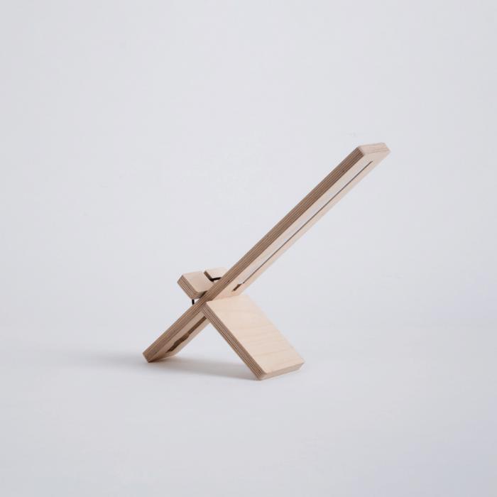 eco-friendly-wooden-table-lamp-delamp-ekohunters-debosc
