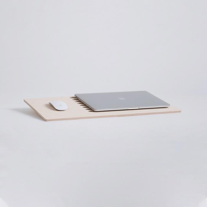 sustainable-delaptop-wooden-laptop-tray-ekohunters-debosc