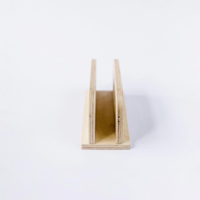 soporte-ordenador-ecologico-madera-derest-ekohunters-debosc-accesorios-trabajo-sostenibles
