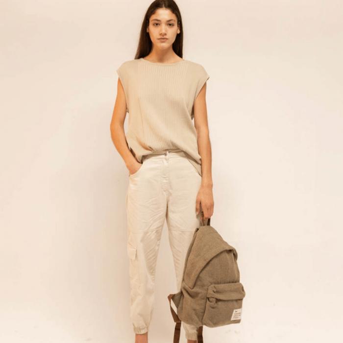 green-message-backpack-ekohunters-hemper-sustainable-lifestyle
