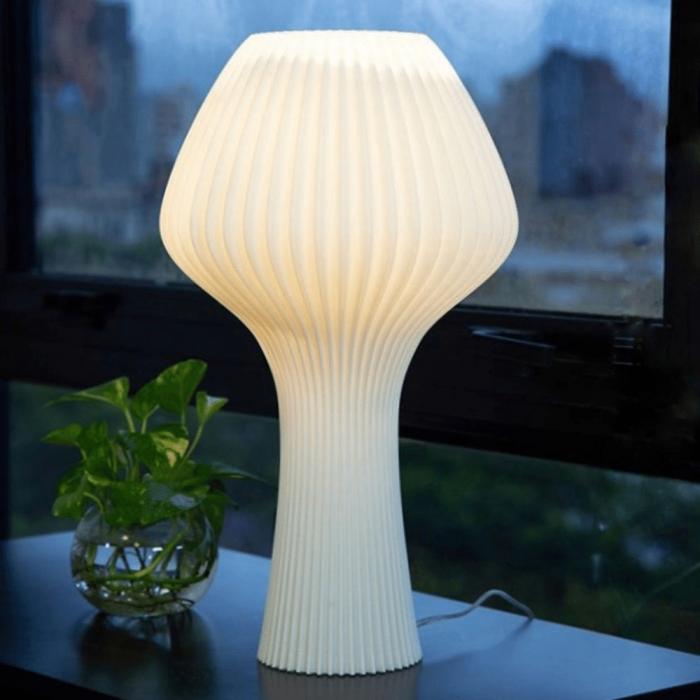 lampara de mesa-sostenible-elena-pla-ekohunters