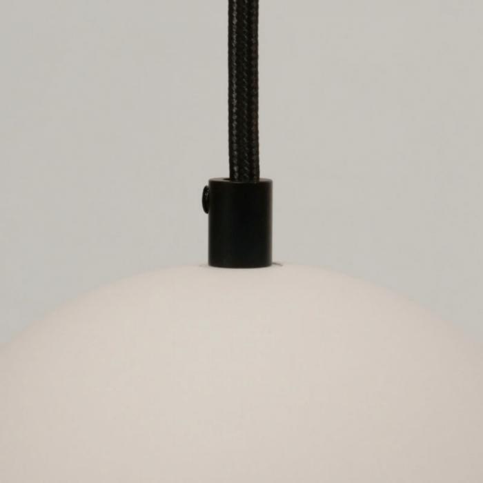 sustainable-white-archy-medium-pendant-lamp-ecodesign-sustainability-ekohunters-more-circular-black-cord