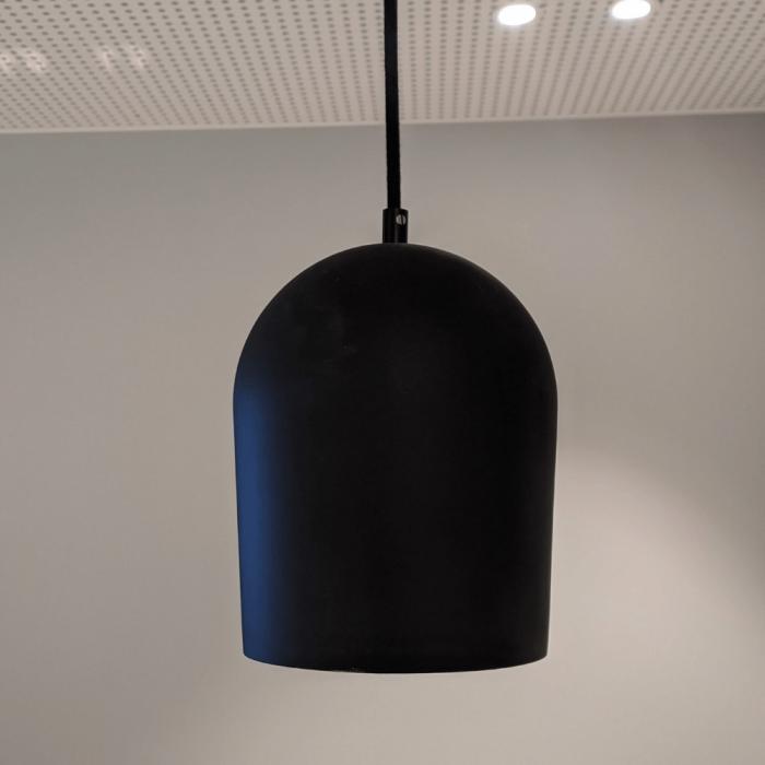 eco-friendly-archy-black-pendant-medium-lamp-sustainability-ekohunters-more-circular
