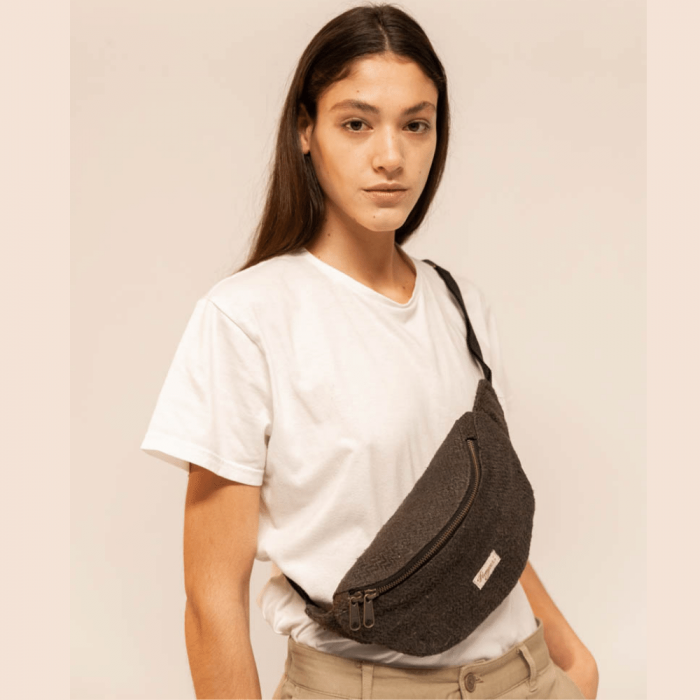 eco-friendly-jannu-black-waistbag-ekohunters-hemper