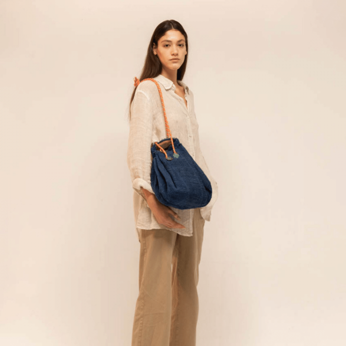 stylish-expandable-blue-duffle-bag-ekohunters-hemper-sustainable-fashion-accessories