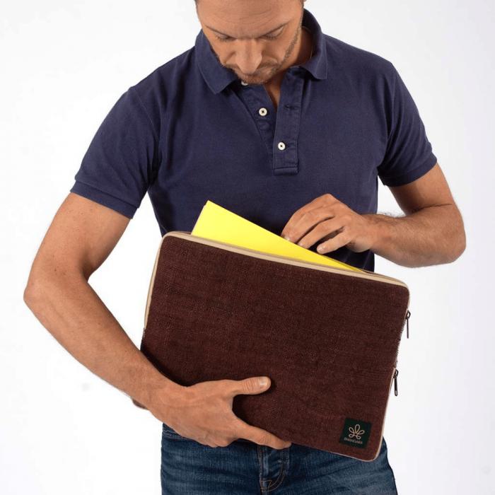 brown-eco-friendly-laptop-sihara-case-ekohunters-bhangara-sustainable-office-accessories