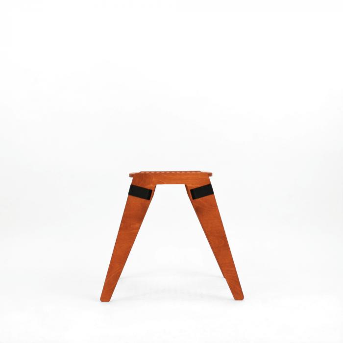taburete-ecologico-tomate-madera-originals-ekohunters-fuzl-muebles-ecologicos-mobiliario-sostenible