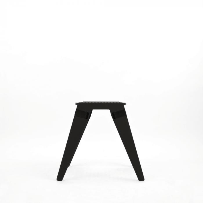 taburete-negro-madera-originals-ekohunters-fuzl-muebles-ecologicos-mobiliario-sostenible