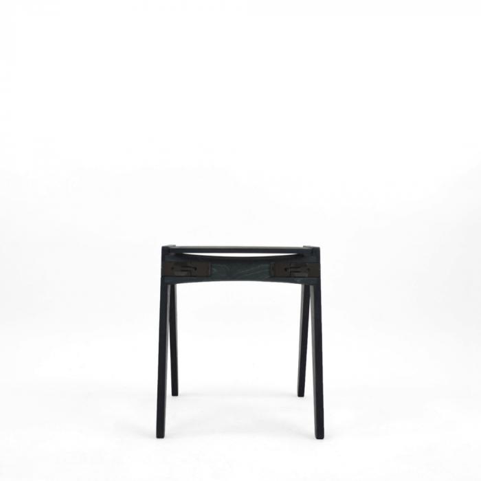 taburete-azul-madera-originals-ekohunters-fuzl-muebles-ecologicos-mobiliario-sostenible