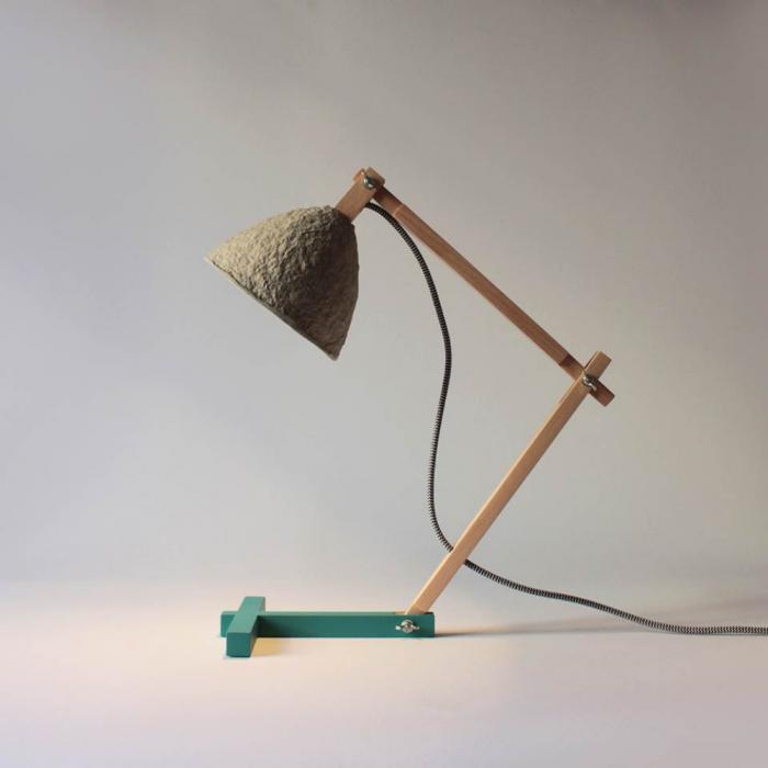 lampara-mesa-papel-madera-metamorfozis-ekohunters-crea-re-lamparas-ecologicas