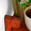 balda-madera-roja-colgador-totem-utility-600-accesorios-decoracion-sostenibles-ekohunters-fuzl
