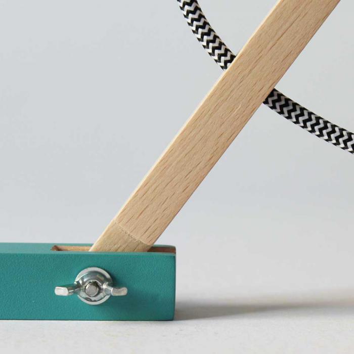 eco-friendly-table-lamp-metamorfozis-wood-paper-ekohunters-crea-re-sustainable-lamps