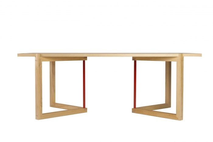 mesa-comedor-sostenible-madera-pino-gallego-xogo-ekohunters-mubles-ecologicos-vea-mobiliairio