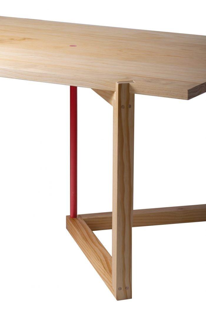 sustainable-xogo-pine-wood-dinning-table-ekohunters-eco-friendly-furniture-vea-mobiliario