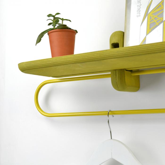 balda-madera-ecologica-amarilla-colgador-totem-utility-1200-accesorios-decoracion-sostenibles-ekohunters-fuzl