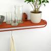 balda-madera-roja-colgador-totem-utility-1200-accesorios-decoracion-sostenibles-ekohunters-fuzl