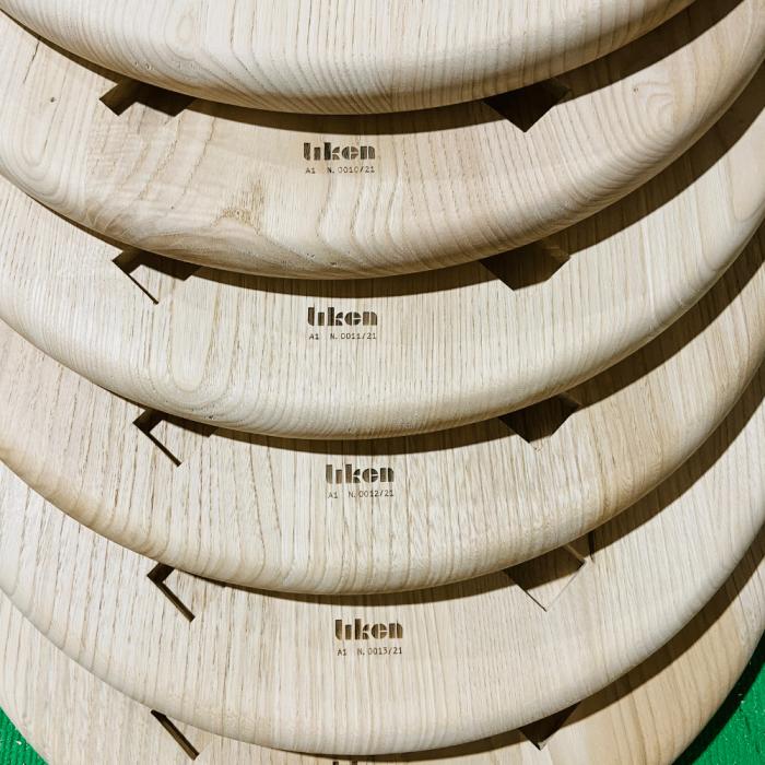 detalle-silla-madera-tagoror-ekohunters-likenwood-mobiliario-ecologico-sillas-ecologicas