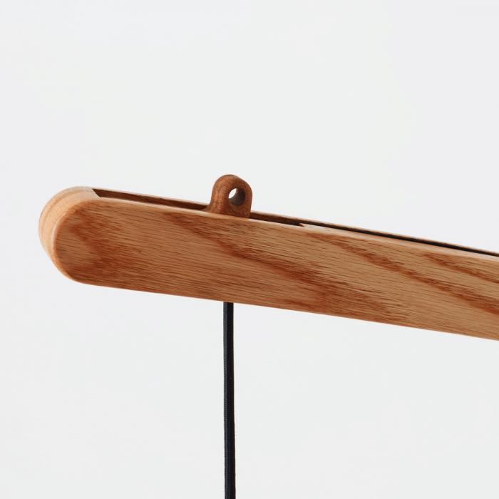 lampara-pie-sostenible-madera-tendi-ekohunters-liken-wood-lamparas-ecologicas