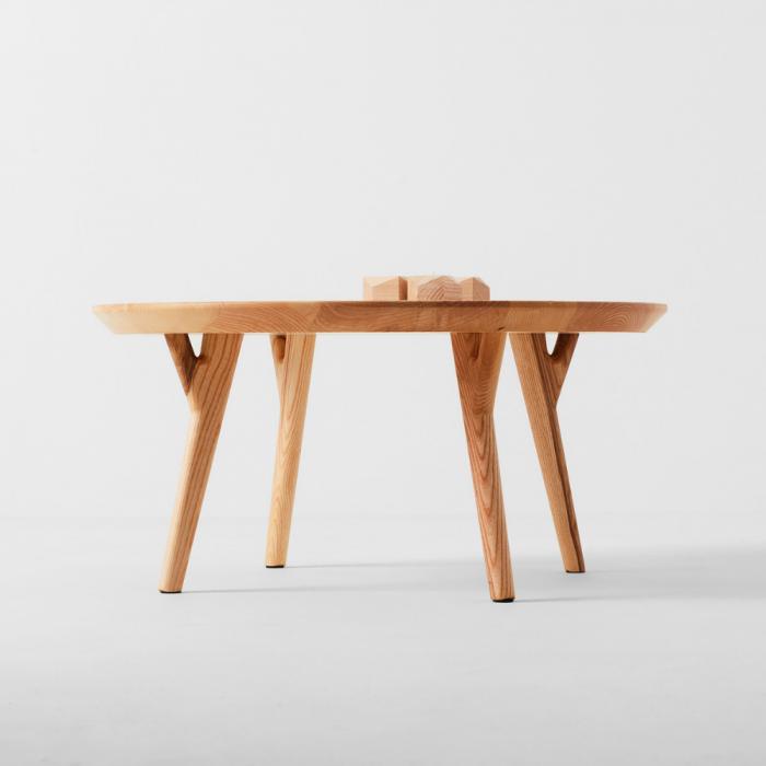 dolmen-round-wooden-side-table-ekohunters-likenwood