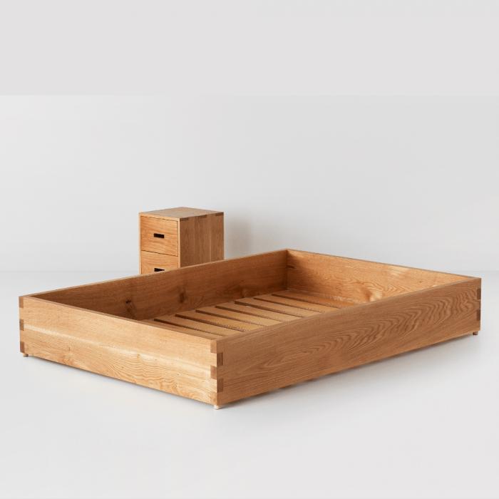 cama-sostenible-baja-madera-maciza-ecologica-ekohunters-likenwood-mobiliario-sostenible