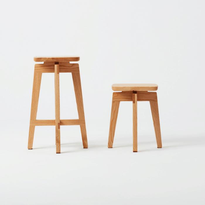 taburete-madera-sostenible-razi-ekohunters-likenwood-mobiliario-sostenible