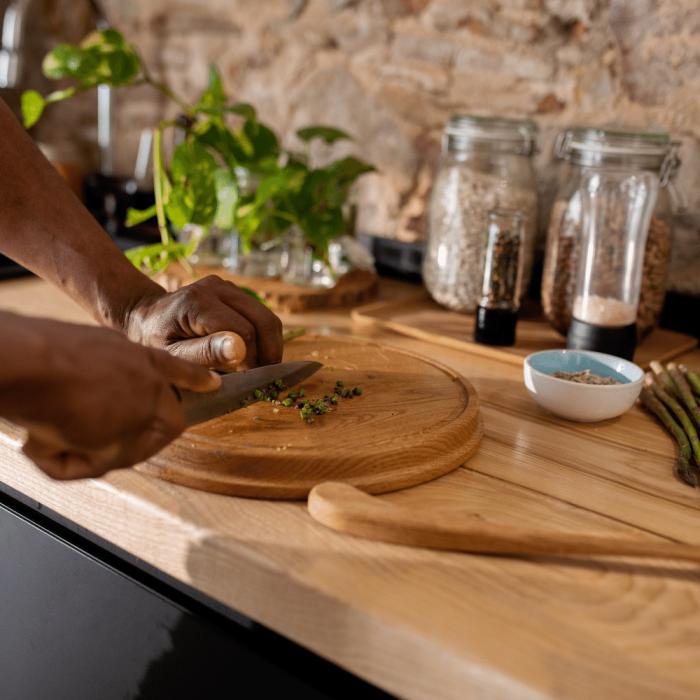 tabla-de-cortar-madera-roble-redonda-ekohunters-likenwood
