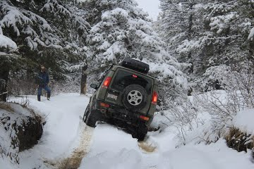 Off-roading and knowing when to go into 4WD low and lock your diff