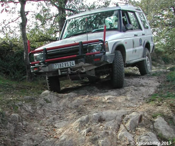 Land Rover Discovery 2 Off-Road Training: Rough and Rocky Terrain