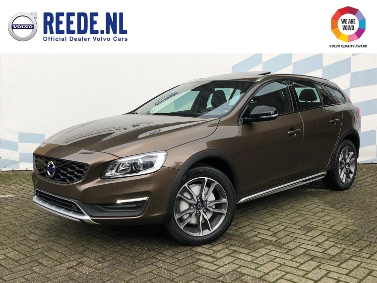 Foto van Volvo V60 Cross Country T5 Geartronic Polar+