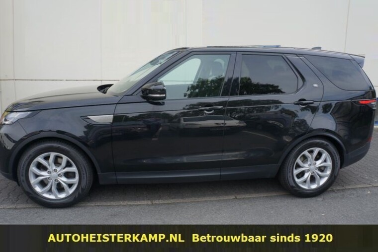 Land Rover Discovery 3.0 Td6 SE 258 PK Grijs Kenteken Panoramadak LED Camera Trekhaak