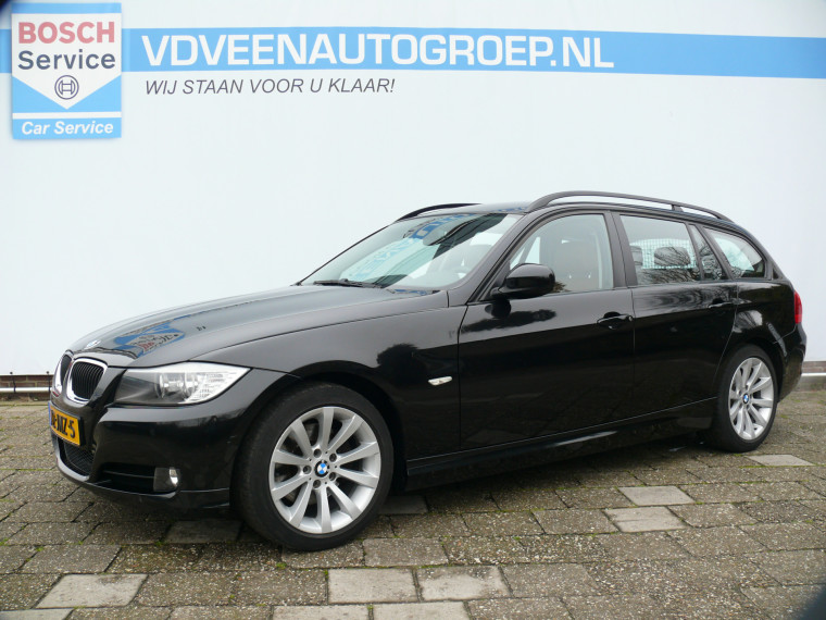 Foto van BMW 3 Serie Touring 320i Business Line, Incl Winterbanden, Cruise Control, Climate Control, Navigatie.