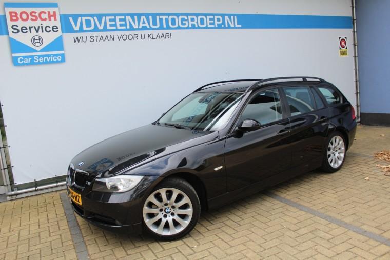 Foto van BMW 3 Serie Touring 318I HIGH EXECUTIVE