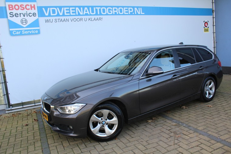 Foto van BMW 3 Serie Touring 320d EfficientDynamics Edition Executive Automaat,