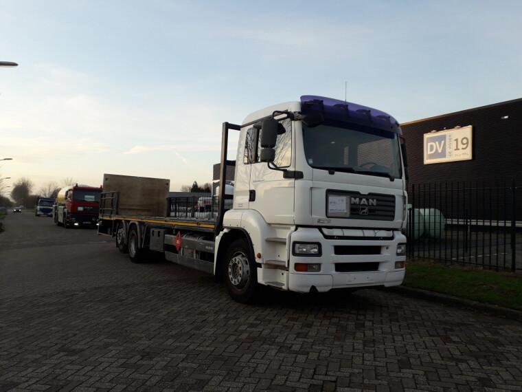 Foto van MAN TGA 26.360  D1- open flatbed truck