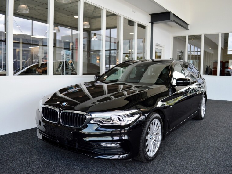 Foto van BMW 5 Serie Touring 530d Sport-Line High Executive Aut8