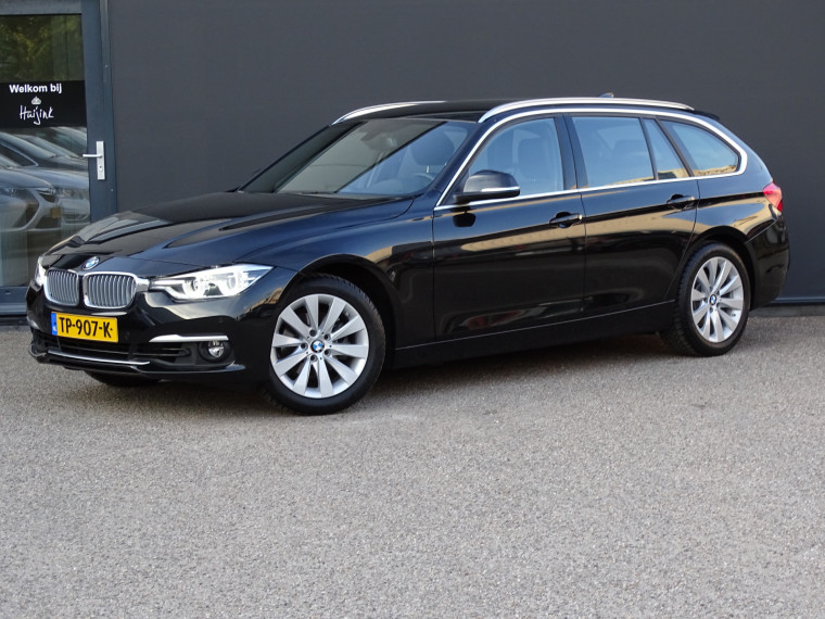 Foto van BMW 3 Serie Touring 320i Luxury Edition