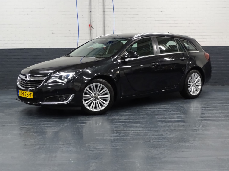 Foto van Opel Insignia Sports Tourer 1.6 CDTI EcoFLEX Business+