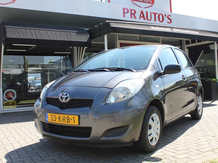 Foto van Toyota Yaris 1.0 VVTi Acces