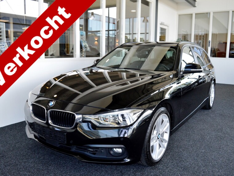 Foto van BMW 3 Serie Touring 320d High Executive Aut8 model 2017 !