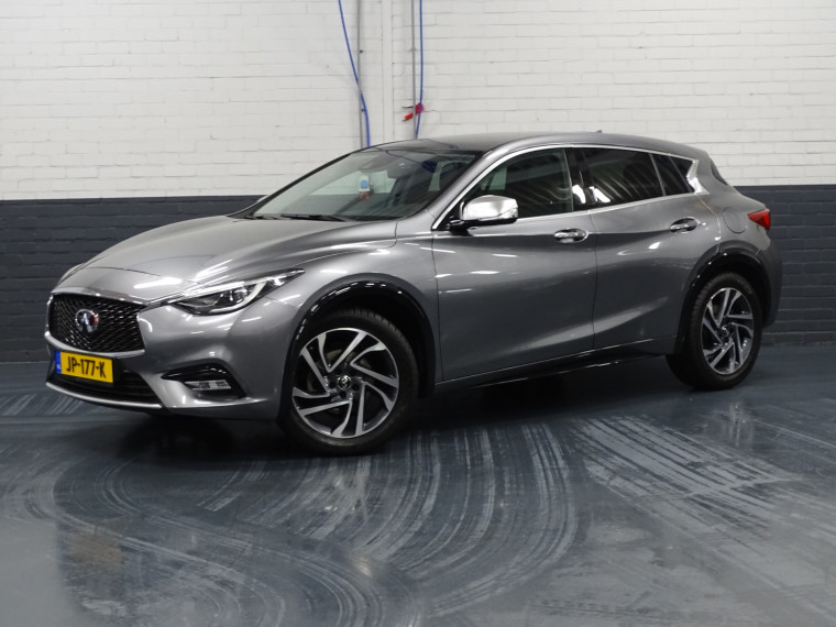 Foto van Infiniti Q30 1.5d City Black Edition