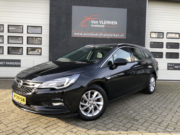 Foto van Opel Astra Sports Tourer 1.4 T 150 pk Innovation