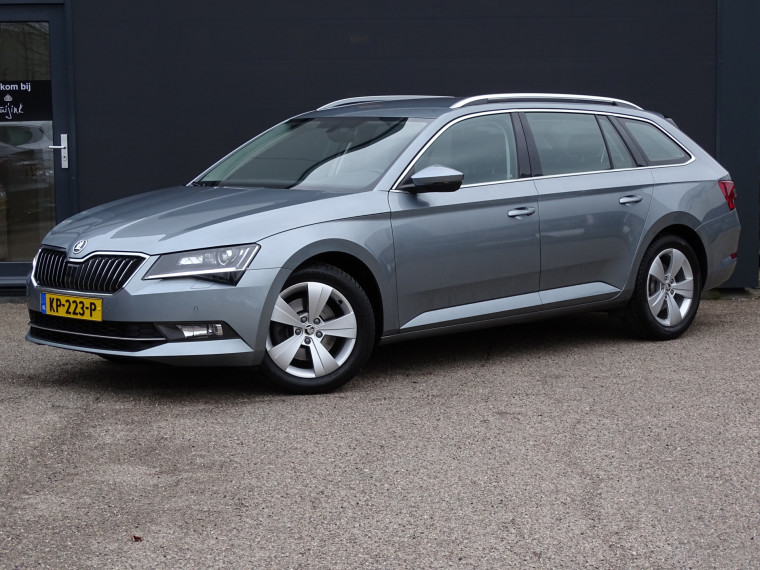 Foto van Škoda Superb Combi 1.6 TDI Ambition Business